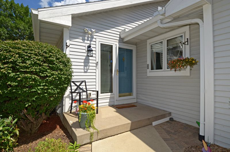 23 STONEFIELD TERR, Madison, WI 53717