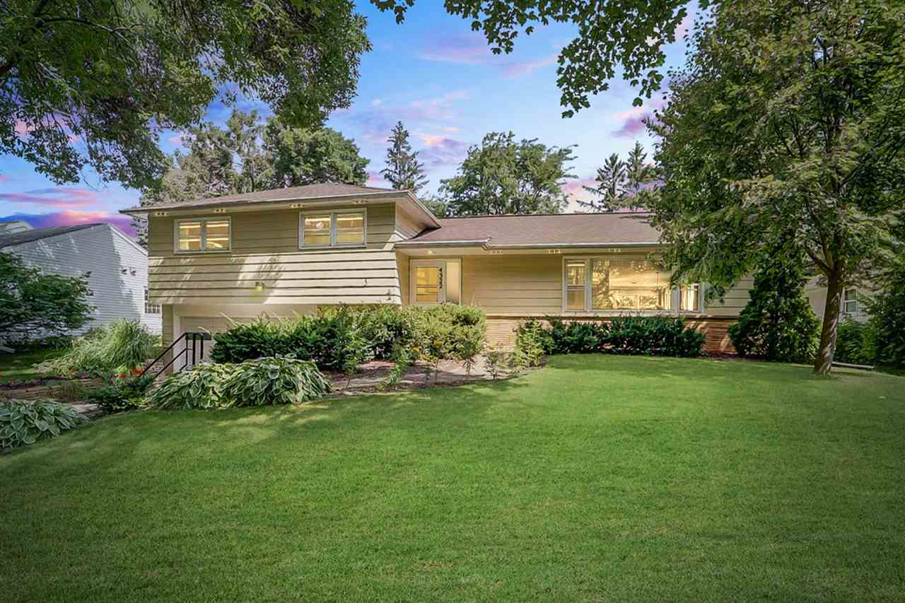 4322 Somerset Ln, Madison, WI 53711