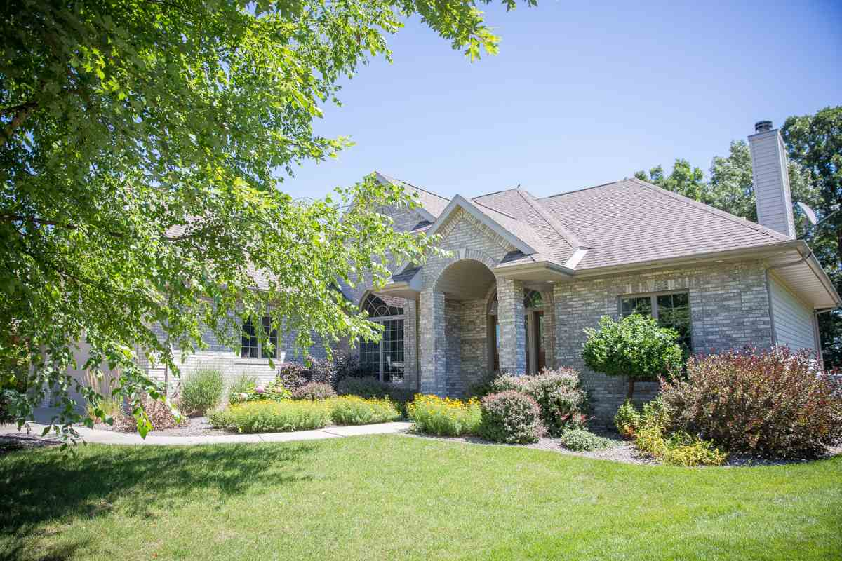 3851 BLUEWING CT, Janesville, WI 53546