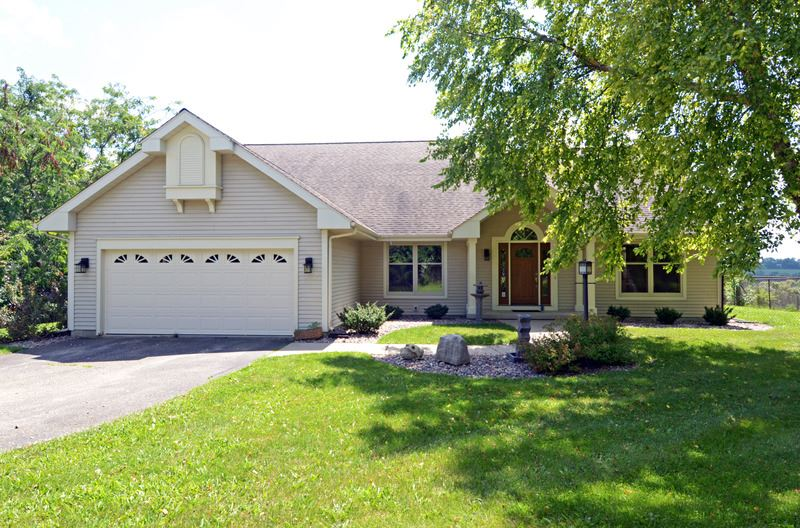2723 COUNTRY VIEW RD, Verona, WI 53593