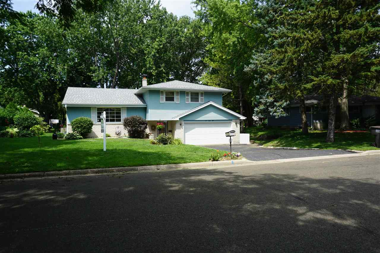 448 S WOODLAND DR, Whitewater, WI 53190