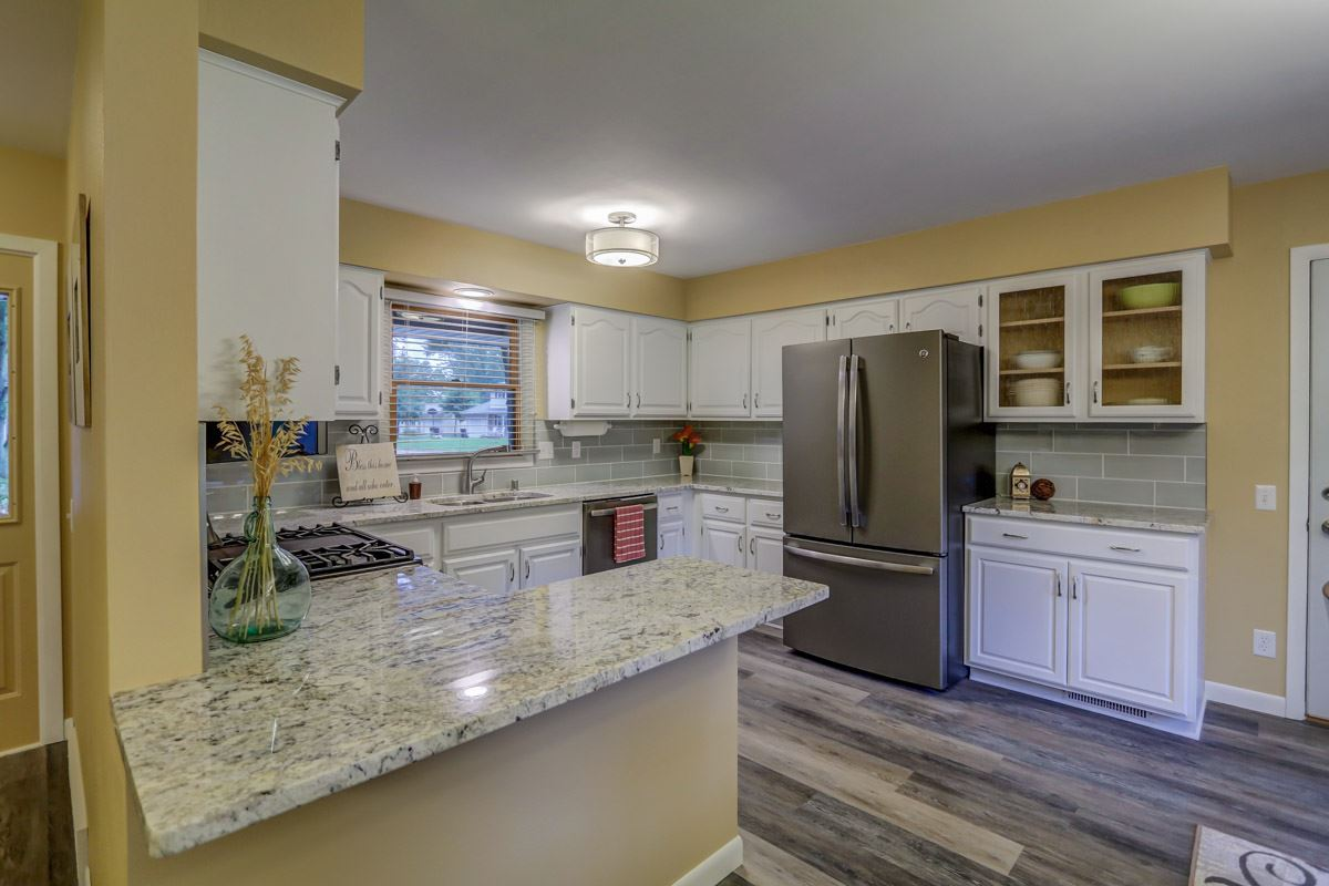 724 Roby Rd, Stoughton, WI 53589