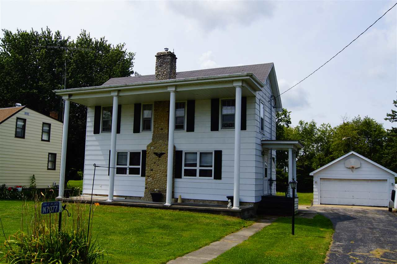 N7077 CENTER ST, Oak Grove, WI 53032