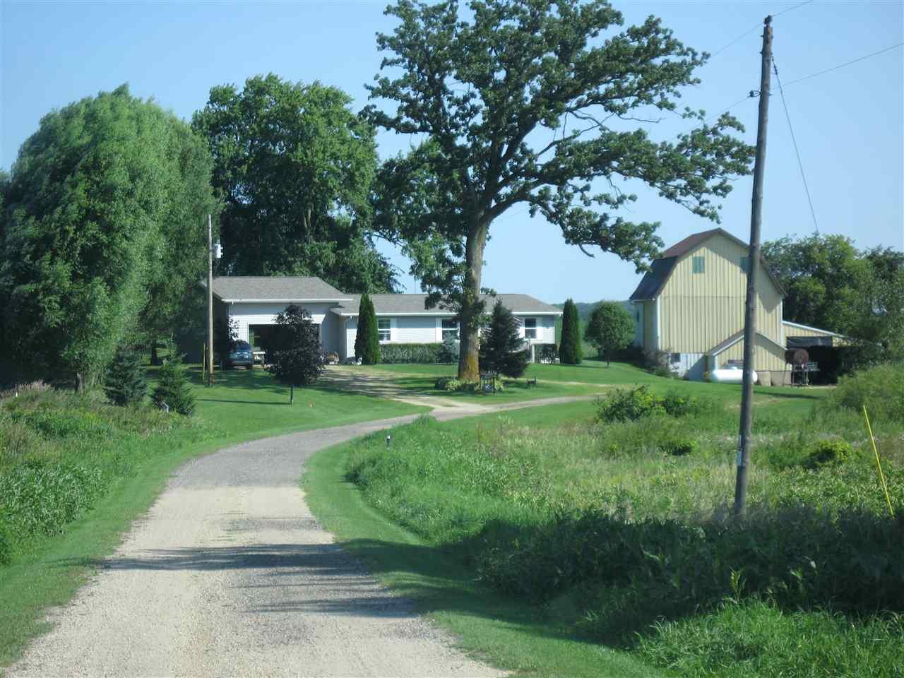 W1786 Fields Rd, Fountain Prairie, WI 53932