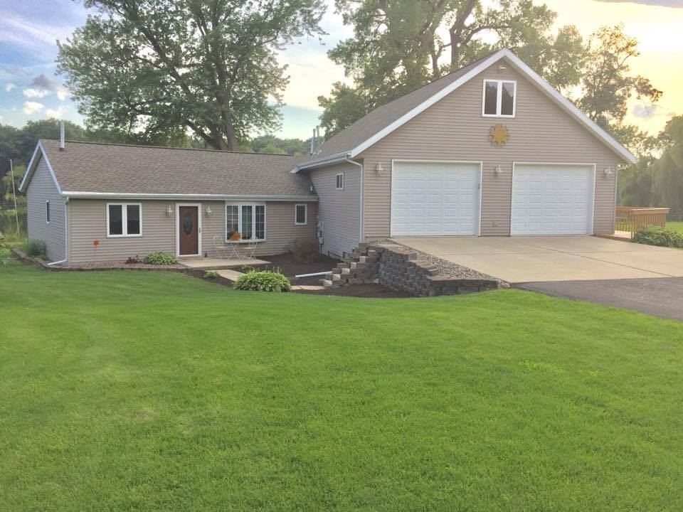 5069 N River Rd, Janesville, WI 53545