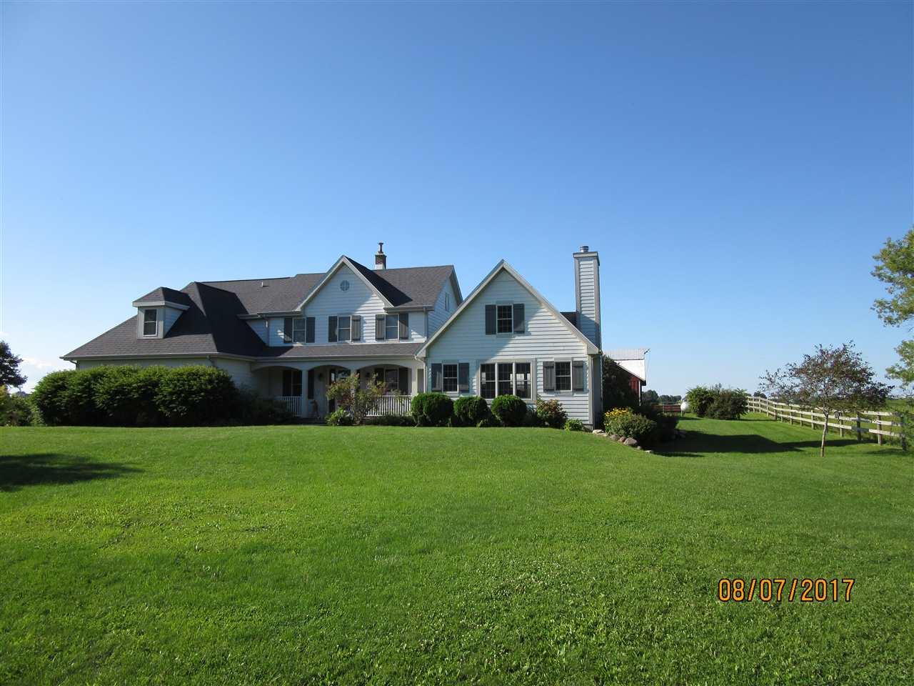 11202 W Gibbs Lake Rd, Porter, WI 53536