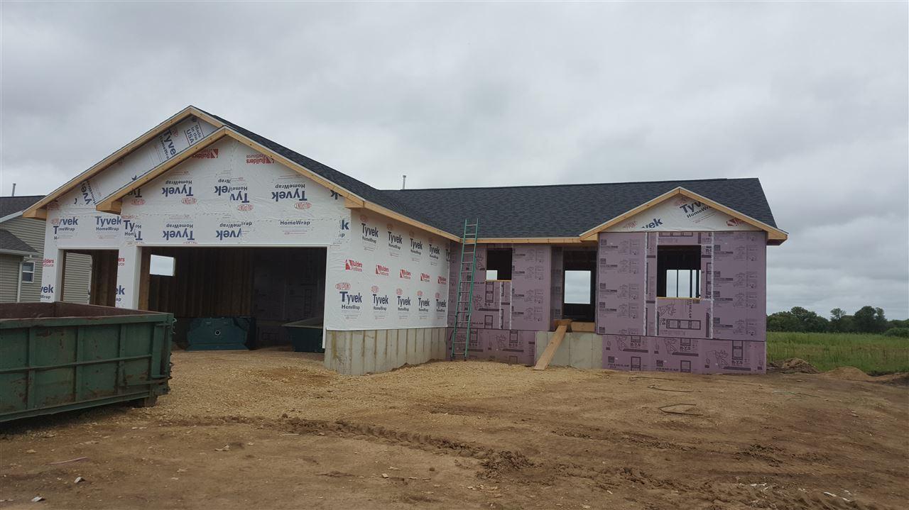 667 Prairie View Dr, Evansville, WI 53536