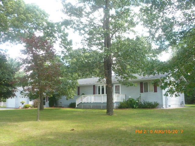 1061 S Dixie Ct, Adams, WI 53910