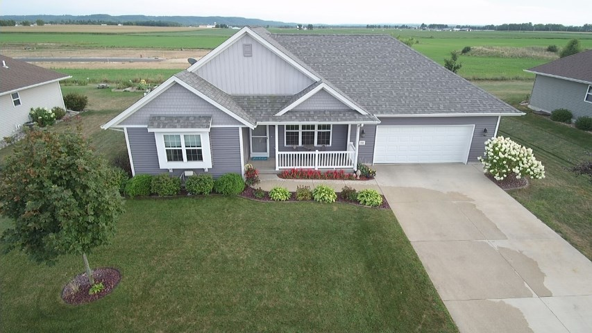 2100 NIGHTHAWK LN, Sauk City, WI 53583