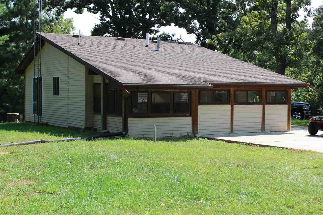2809 W 3rd Dr, New Chester, WI 53936