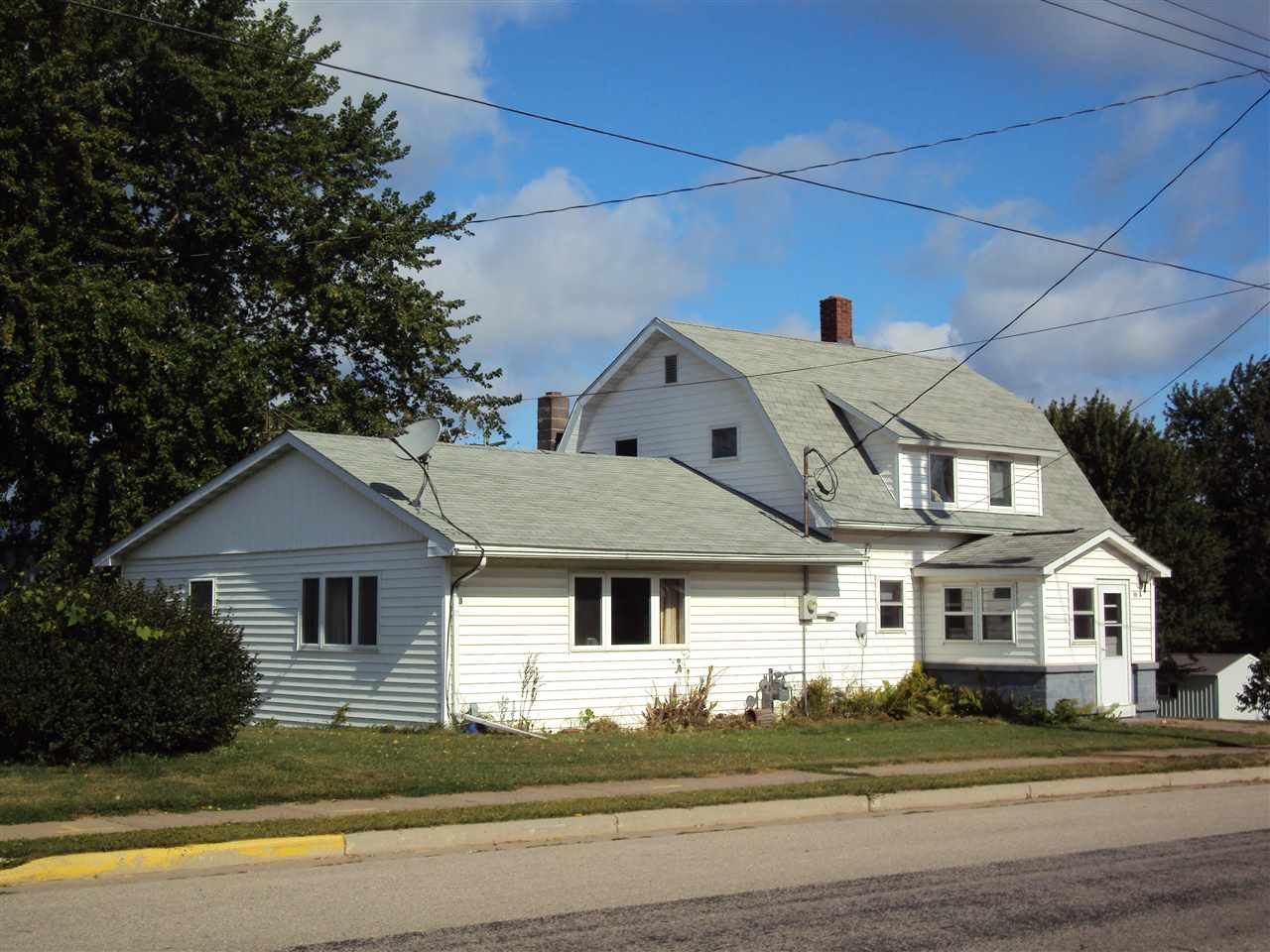 109 S Main St, Eastman, WI 54626