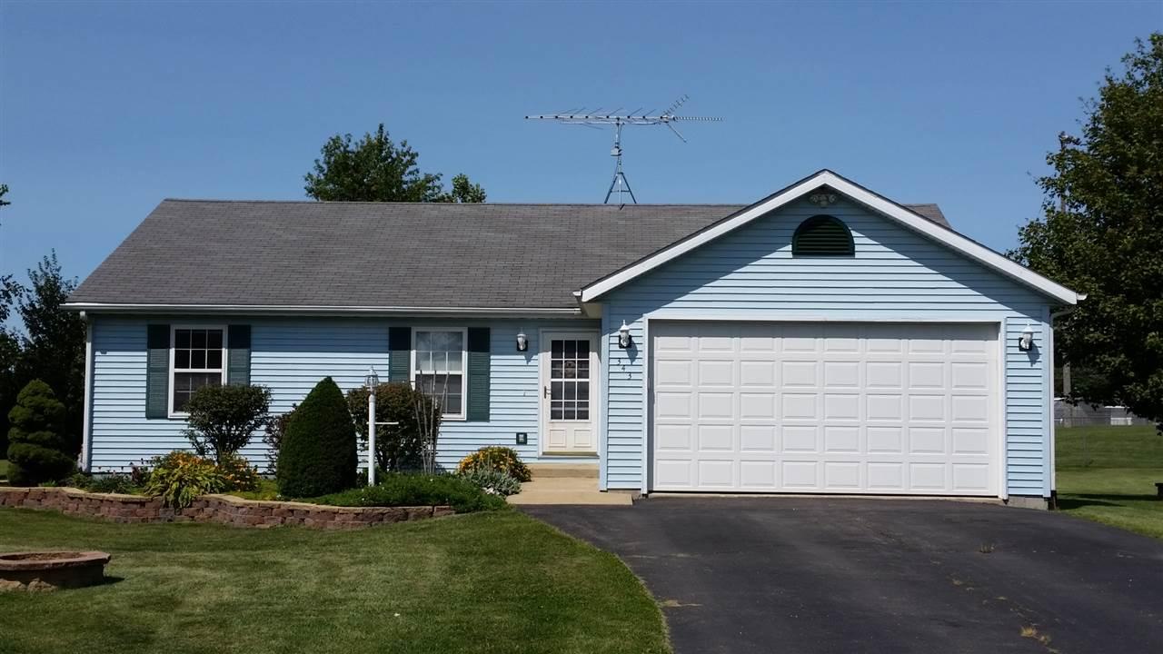 343 Valley View Dr, Orangeville, IL 61060