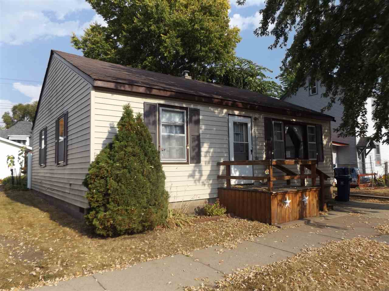 427 S 2nd St, Other, IA 52052