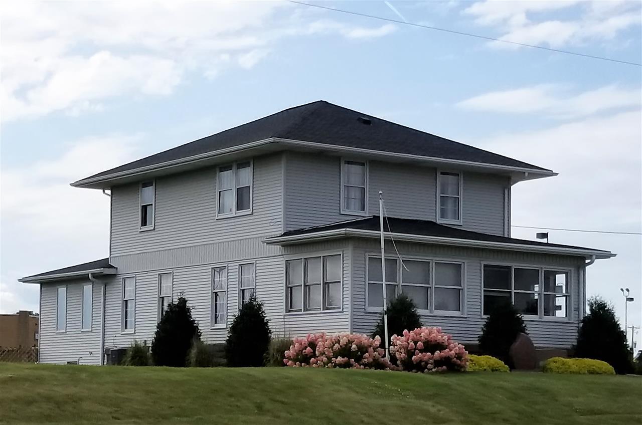 1218 N Main St, Viroqua, WI 54665