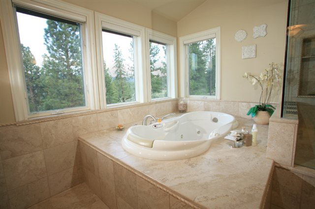 Additional photo for property listing at 12020 Stallion Way 12020 Stallion Way Truckee, California 96161 Estados Unidos