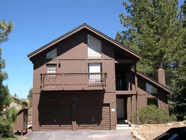 独户住宅 为 销售 在 136 Skyland Way 136 Skyland Way 塔霍湖城, 加利福尼亚州 96145 美国