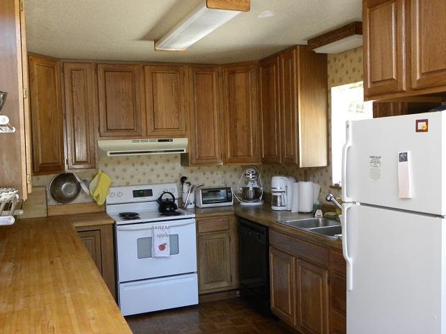 Additional photo for property listing at 4205 Lake Drive 4205 Lake Drive Soda Springs, California 95728 Estados Unidos