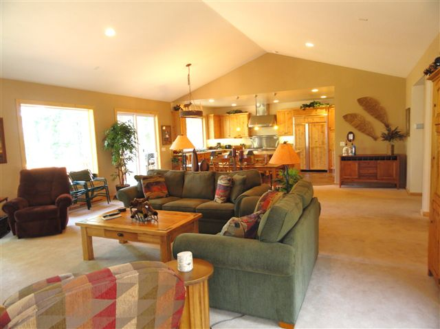 Additional photo for property listing at 211 Shore View Drive 211 Shore View Drive Tahoe City, California 96145 Estados Unidos