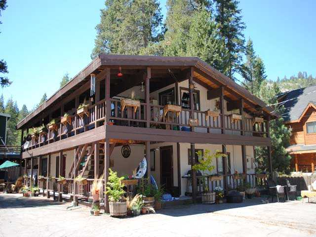 15889 South Shore Drive 15889 South Shore Drive Truckee, California 96161 United States