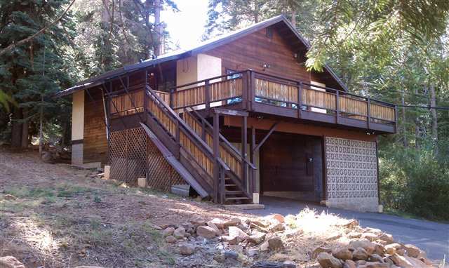 Single Family Home for Active at 10779 Laurelwood Drive 10779 Laurelwood Drive Truckee, California 96161 United States