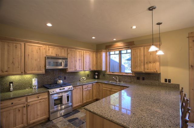 Additional photo for property listing at 12557 Legacy Court 12557 Legacy Court Truckee, California 96161 United States
