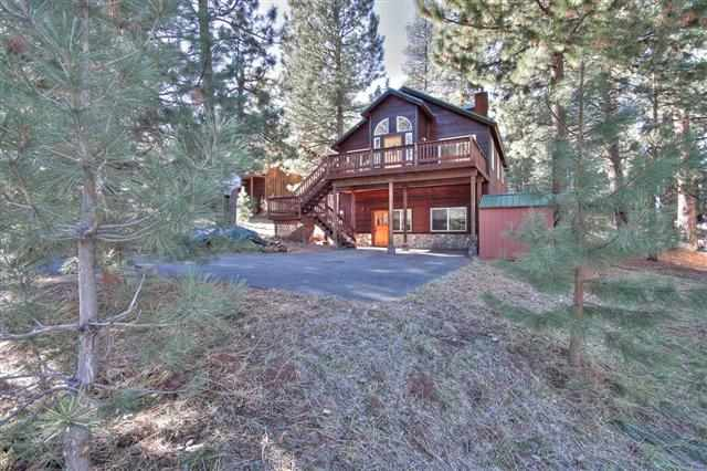 Single Family Home for Active at 11357 Huntsman Leap 11357 Huntsman Leap Truckee, California 96161 United States