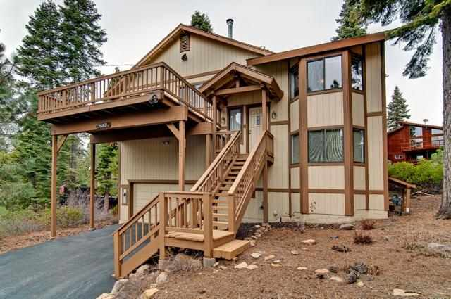 Casa Unifamiliar por un Venta en 7424 Kingswood Drive 7424 Kingswood Drive Tahoe Vista, California 96148 Estados Unidos