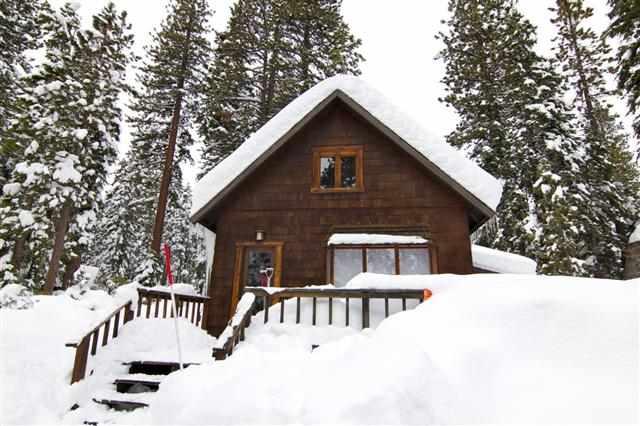 Casa Unifamiliar por un Venta en 4911 North Lake Boulevard 4911 North Lake Boulevard Carnelian Bay, California 96140 Estados Unidos