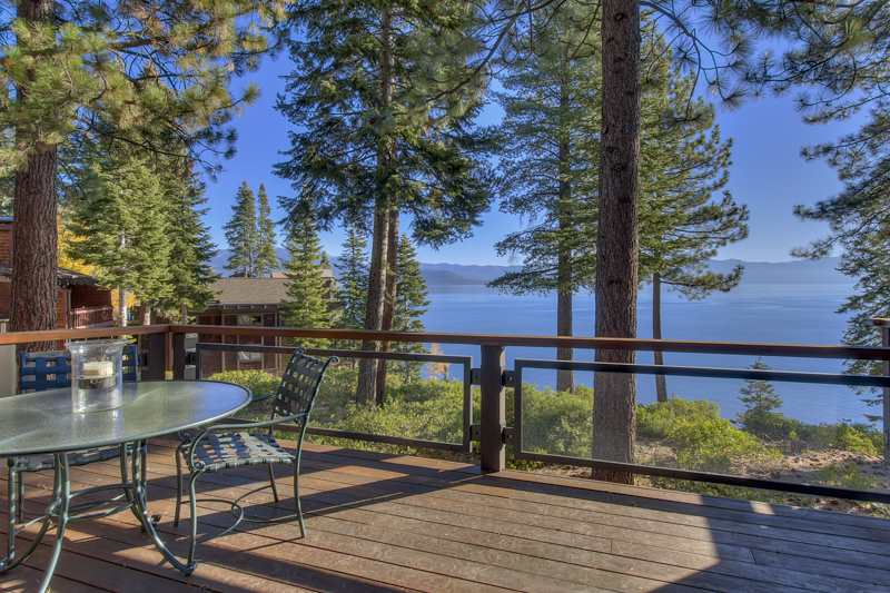 Condominio/ Casa de pueblo por un Venta en 3600 North Lake Boulevard Tahoe City, California 96145 Estados Unidos