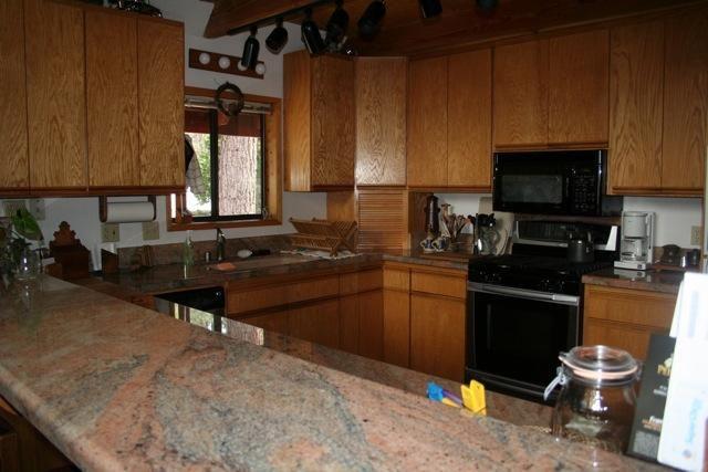 Additional photo for property listing at 683 Midiron Avenue  塔霍湖, 加利福尼亚州 96148 美国