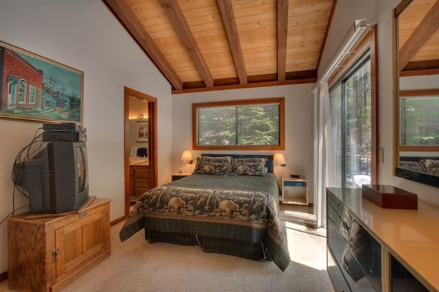 Additional photo for property listing at 2560 Lake Forest Road  Tahoe City, California 96145 United States