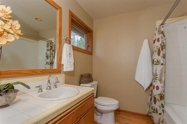 Additional photo for property listing at 11508 Bennett Flat Road 11508 Bennett Flat Road 特拉基, 加利福尼亚州 96161 美国