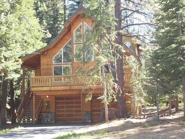 Single Family Home for Active at 14115 Ski View Loop Truckee, California 96161 United States