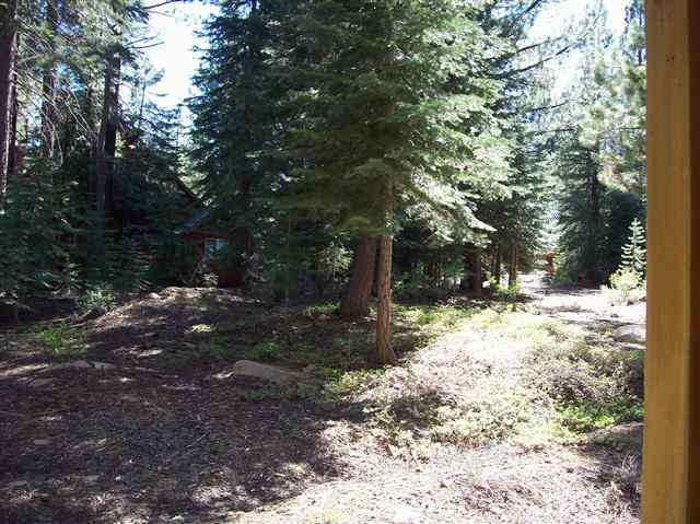 Additional photo for property listing at 14115 Ski View Loop 14115 Ski View Loop Truckee, California 96161 United States