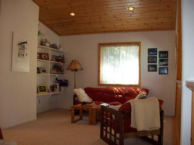 Additional photo for property listing at 14115 Ski View Loop  Truckee, California 96161 United States