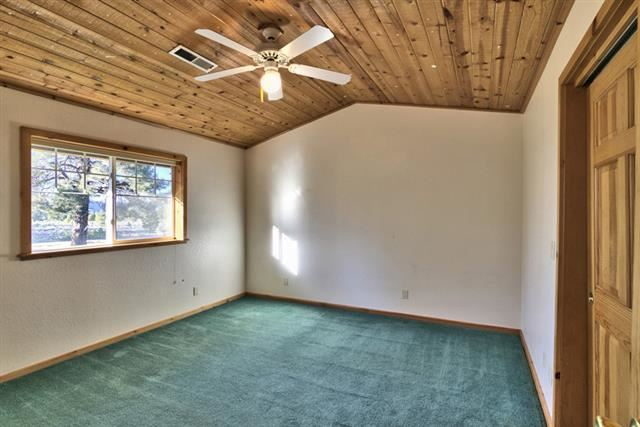 Additional photo for property listing at 13036 Glenshire Drive 13036 Glenshire Drive Truckee, California 96161 Estados Unidos