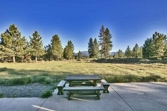 Additional photo for property listing at 13036 Glenshire Drive  Truckee, California 96161 Estados Unidos