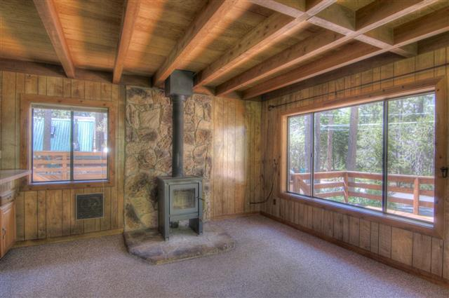 Additional photo for property listing at 15751 Willow Street 15751 Willow Street Truckee, California 96161 Estados Unidos