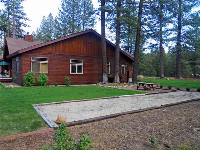 Additional photo for property listing at 10314 Estates Drive 10314 Estates Drive Truckee, California 96161 United States