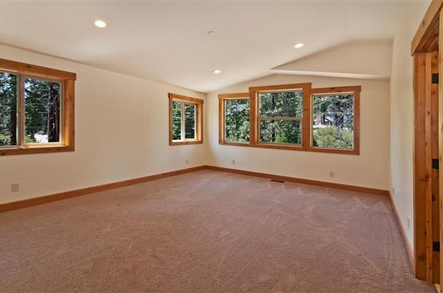 Additional photo for property listing at 9918 Pelican Drive 9918 Pelican Drive Kings Beach, California 96143 United States