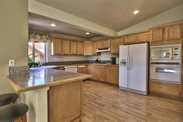 Additional photo for property listing at 913 Michael Court 913 Michael Court Incline Village, Nevada 89451 Estados Unidos