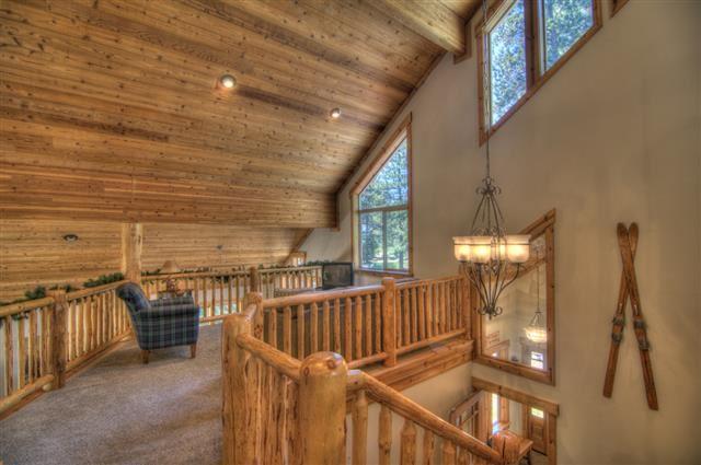 Additional photo for property listing at 13680 Ski View Loop  特拉基, 加利福尼亚州 96161 美国