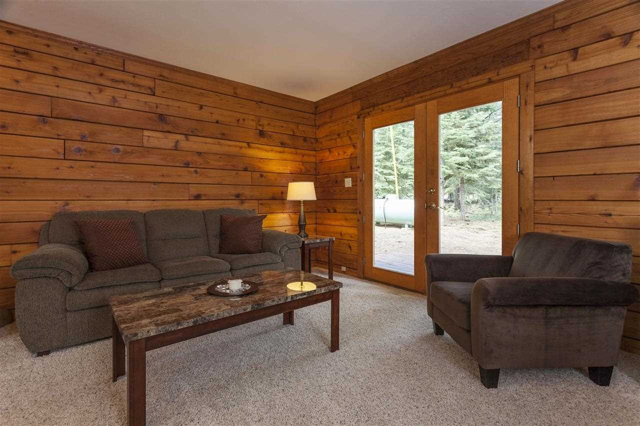 Additional photo for property listing at 12856 Solvang Way  Truckee, California 96161 Estados Unidos