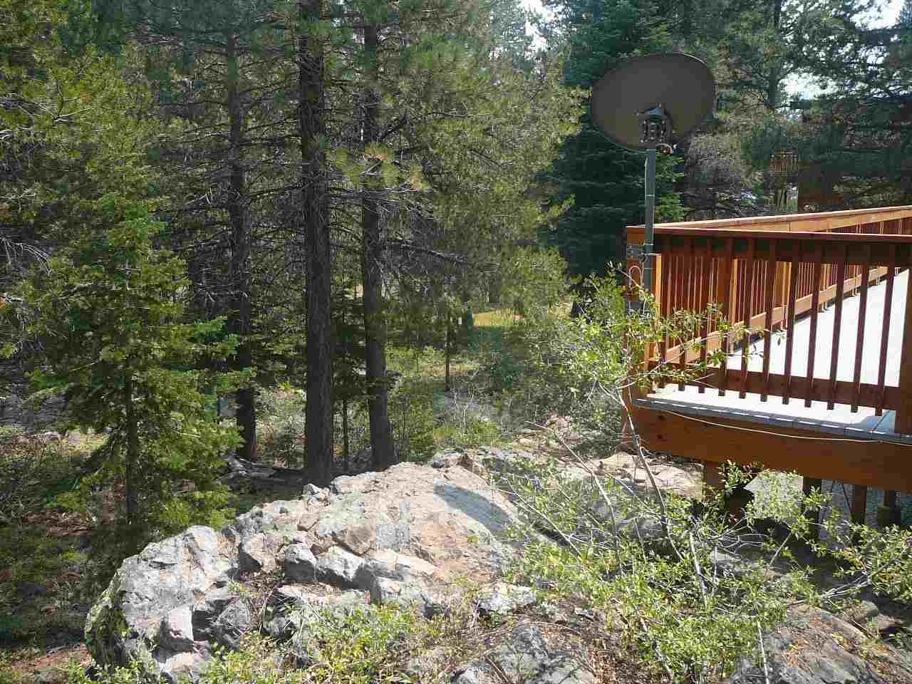 Additional photo for property listing at 11751 Chateau Way  Truckee, California 96161 Estados Unidos