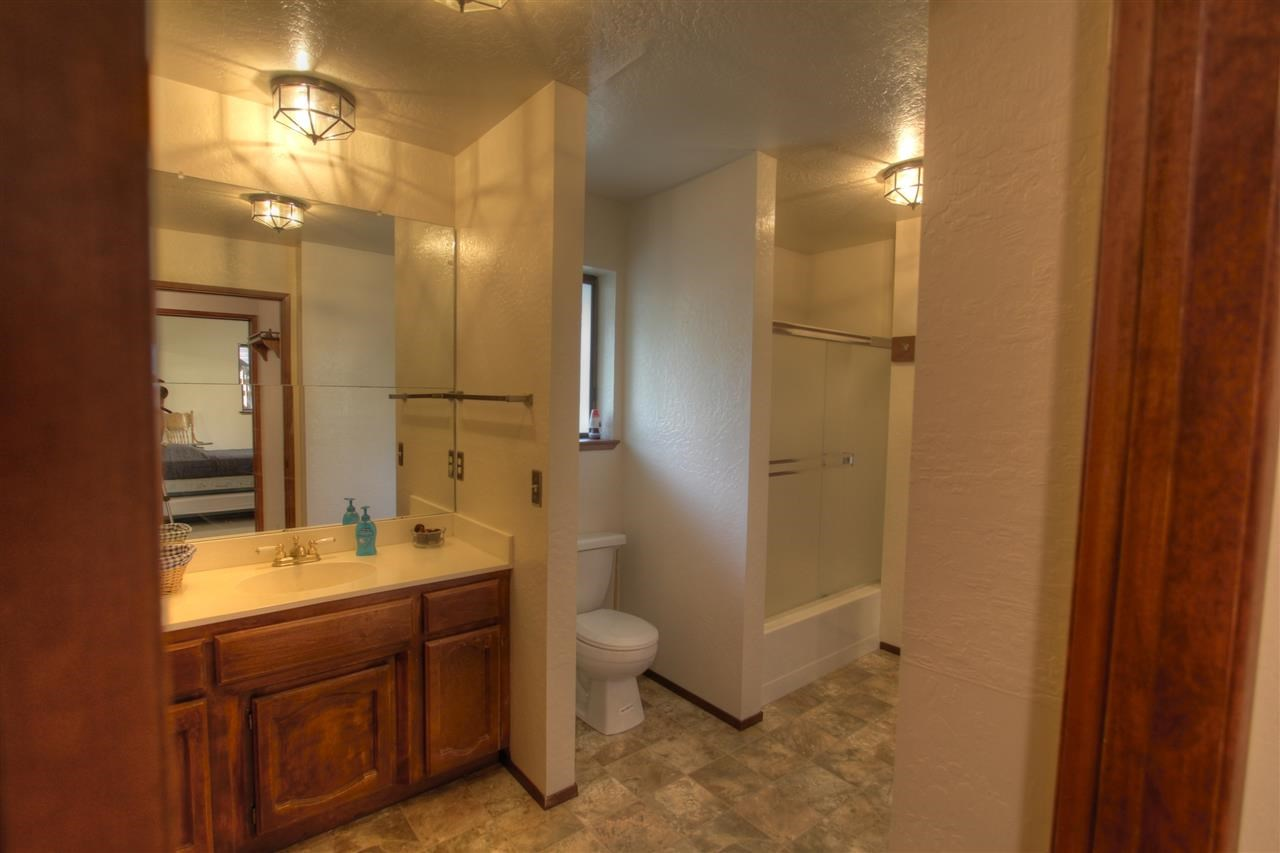 Additional photo for property listing at 12982 Solvang Way 12982 Solvang Way Truckee, California 96161 United States