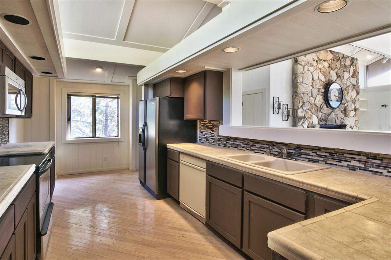 Additional photo for property listing at 559 Alpine View  Incline Village, Nevada 89451 United States
