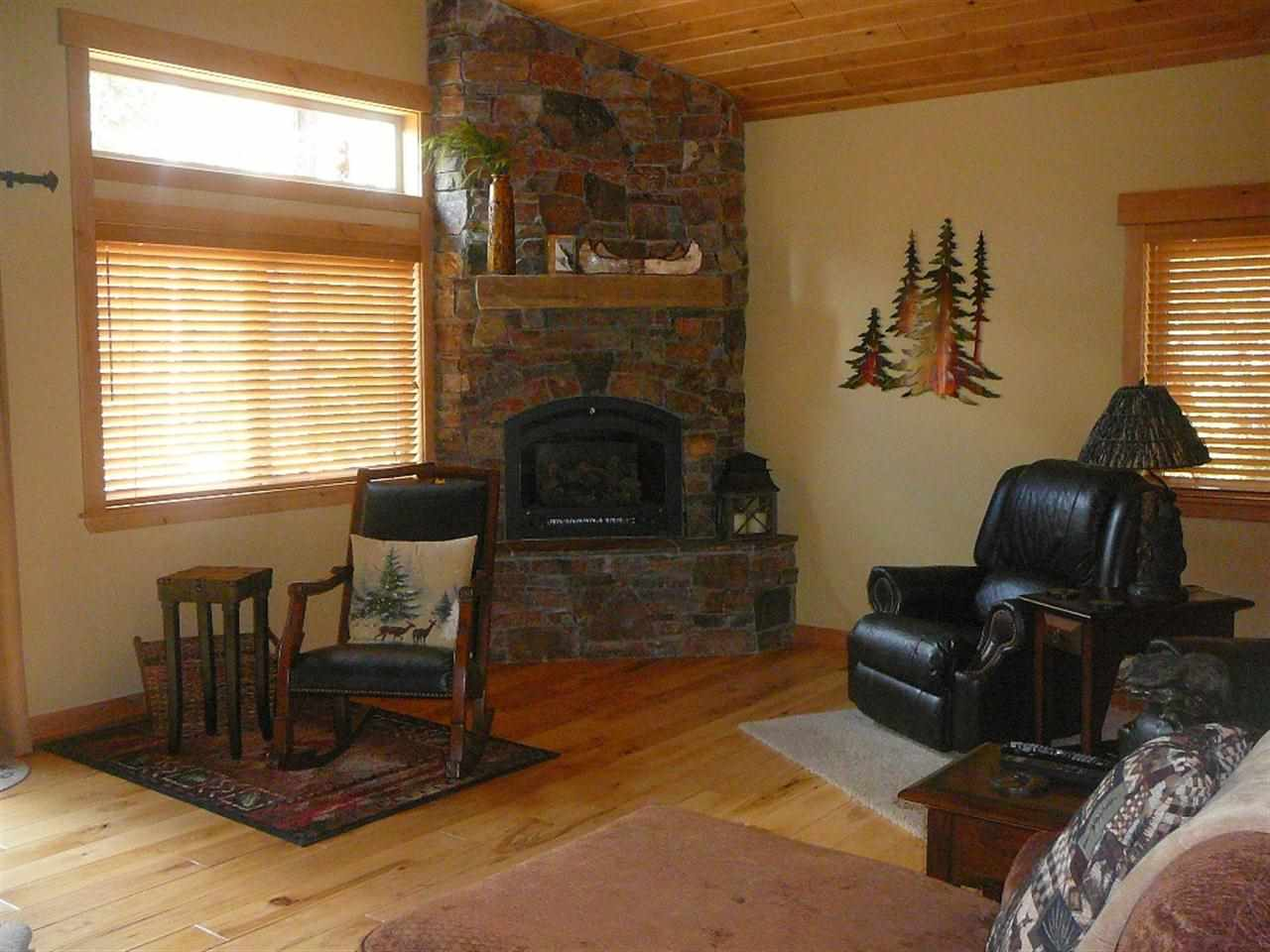 Additional photo for property listing at 11721 Lausanne Way  Truckee, California 96161 United States