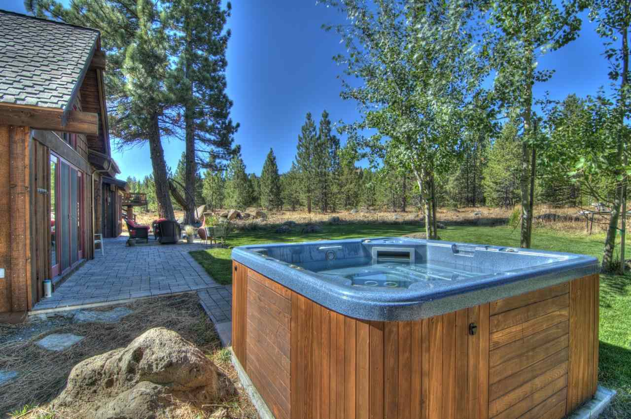 Additional photo for property listing at 12420 Springbrook Place  Truckee, California 96161 United States