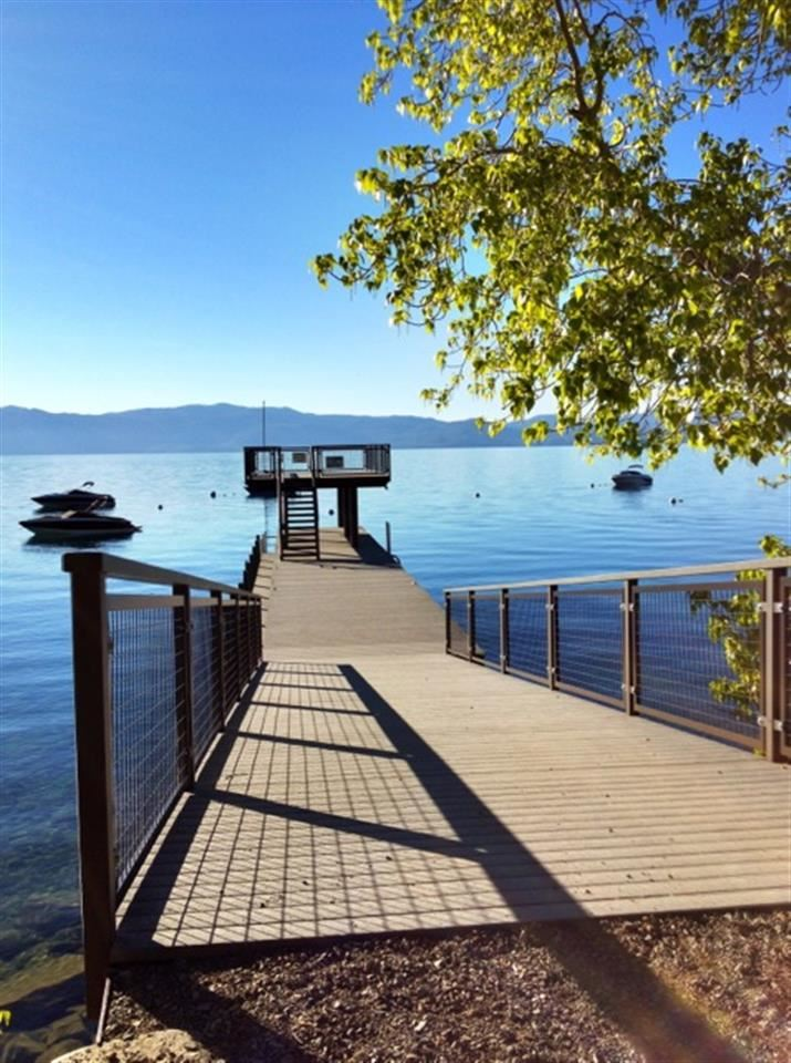 Additional photo for property listing at 4305 North Lake Boulevard 4305 North Lake Boulevard Carnelian Bay, California 96140 Estados Unidos