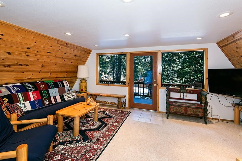 Additional photo for property listing at 2640 Cedar Lane  Tahoe City, California 96145 United States